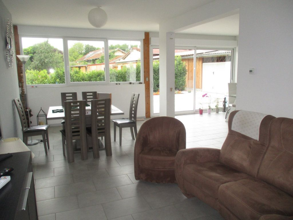 Maison à vendre 6 132m2 à Thierville-sur-Meuse vignette-10