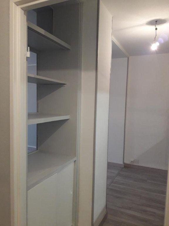 Appartement à louer 3 63.48m2 à Nancy vignette-5