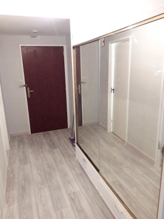 Appartement à louer 3 63.48m2 à Nancy vignette-6