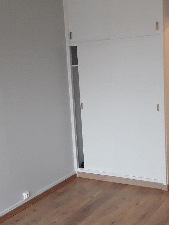 Appartement à louer 3 63.48m2 à Nancy vignette-12