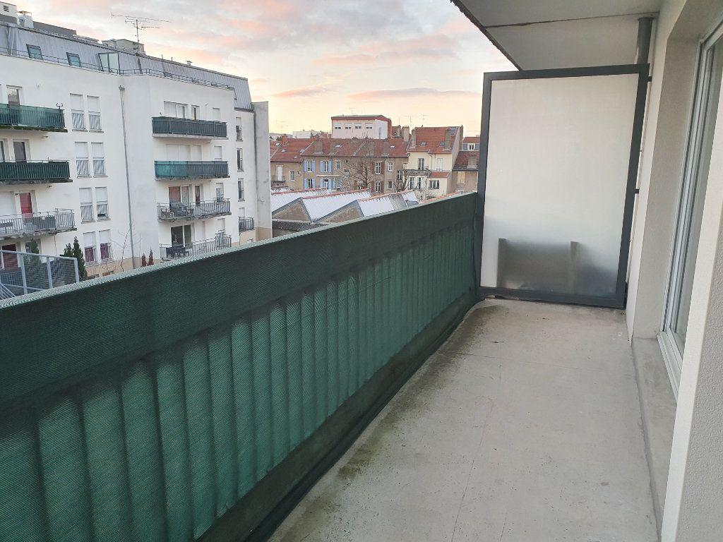 Appartement à louer 2 48.78m2 à Vandoeuvre-lès-Nancy vignette-1