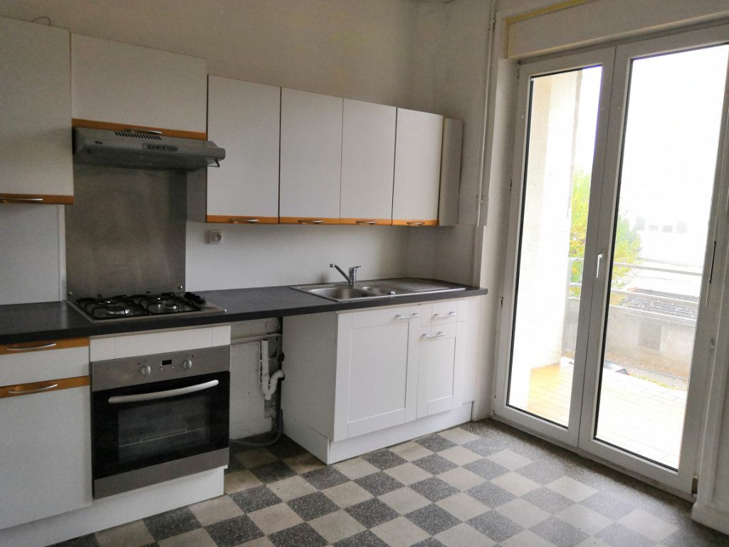 Appartement à louer 4 85m2 à Nancy vignette-1