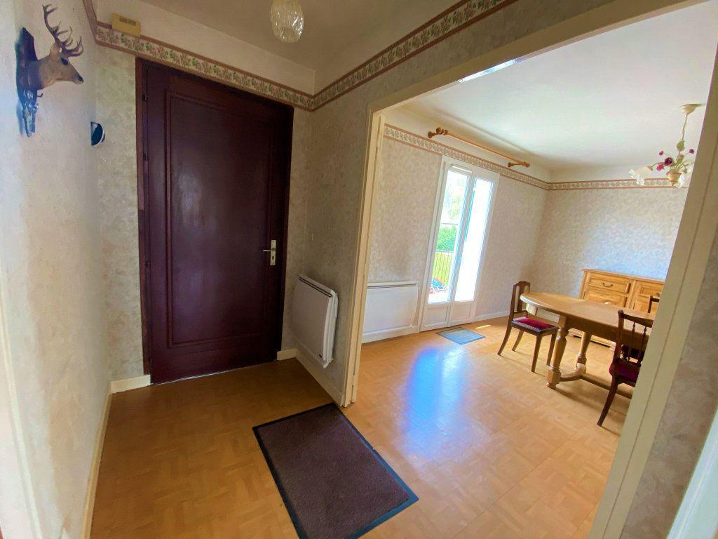 Maison à vendre 6 107.34m2 à Cuvry vignette-18