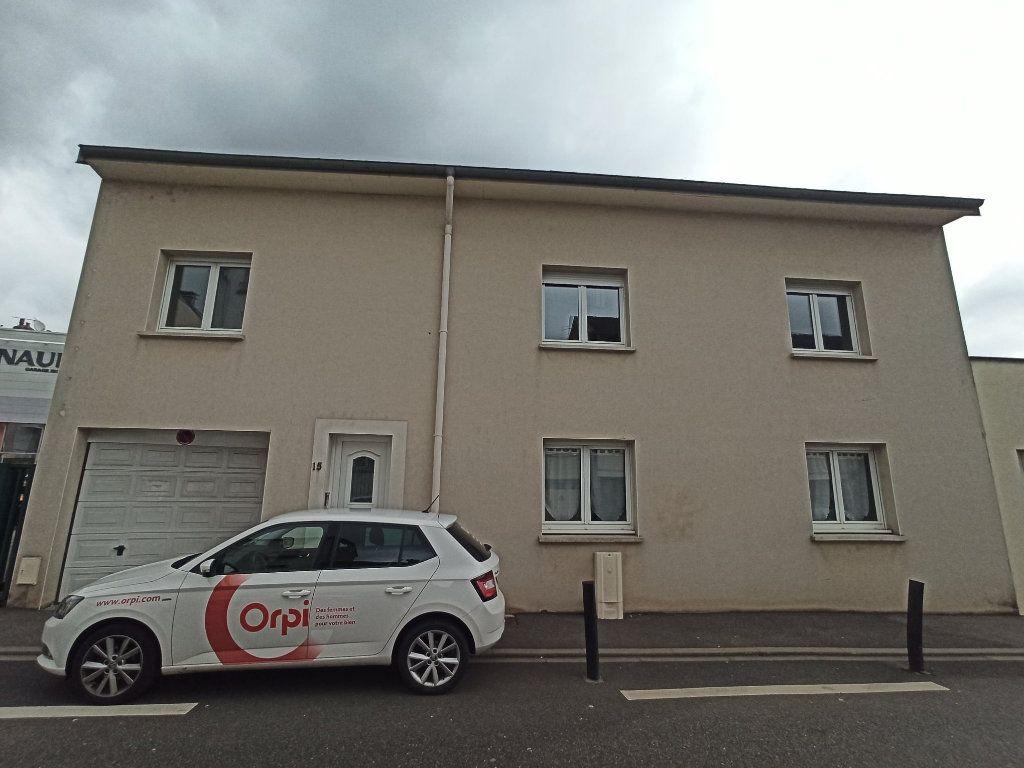 Appartement à louer 7 172.24m2 à Essey-lès-Nancy vignette-2