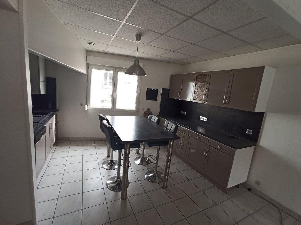 Appartement à louer 7 172.24m2 à Essey-lès-Nancy vignette-3