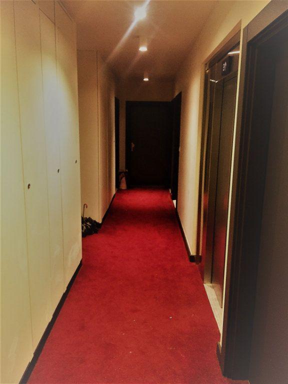 Appartement à louer 2 38.85m2 à Nancy vignette-6