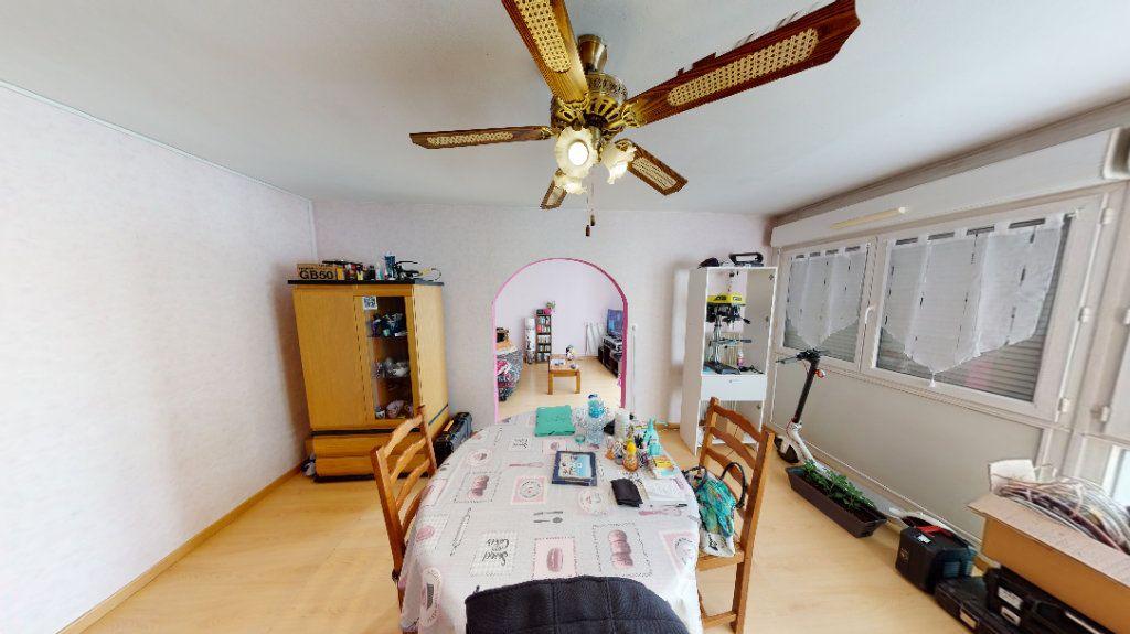 Appartement à vendre 4 77m2 à Vandoeuvre-lès-Nancy vignette-3