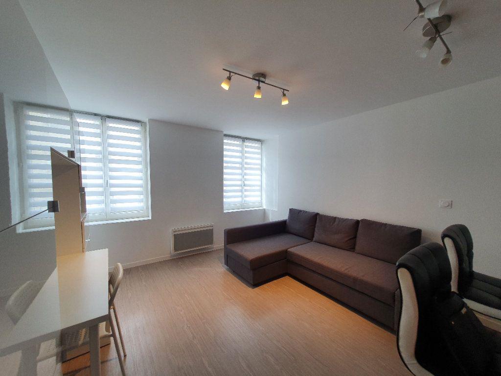 Appartement à louer 1 27m2 à Nancy vignette-1