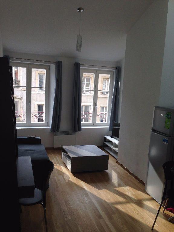 Appartement à louer 2 31m2 à Nancy vignette-1