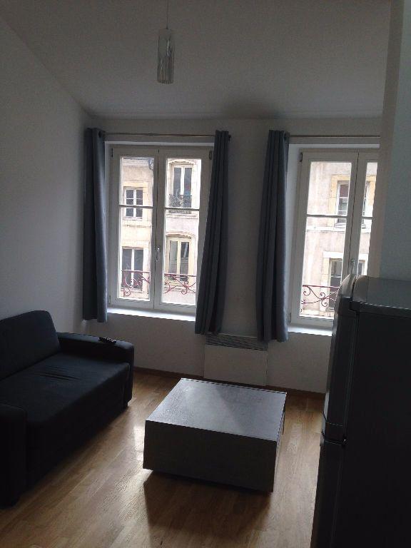 Appartement à louer 2 31m2 à Nancy vignette-3