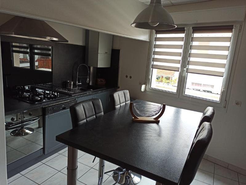 Appartement à louer 7 172.24m2 à Essey-lès-Nancy vignette-4