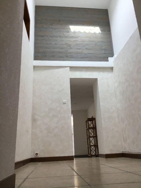 Maison à louer 5 173.28m2 à Verdun vignette-2