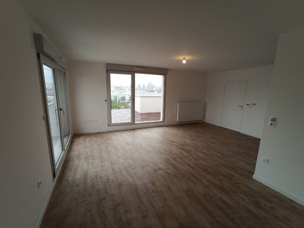 Appartement à louer 4 89.3m2 à Nancy vignette-5