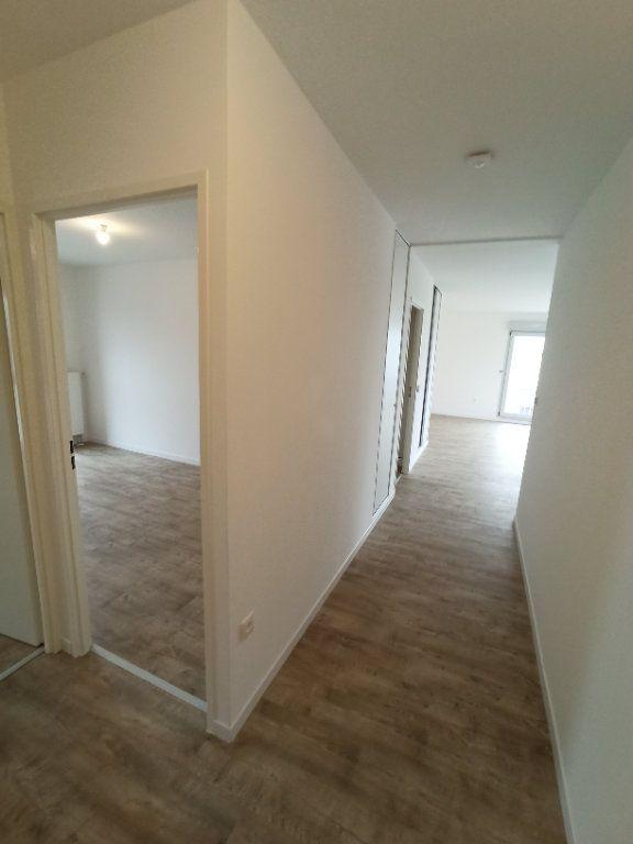 Appartement à louer 4 89.3m2 à Nancy vignette-6
