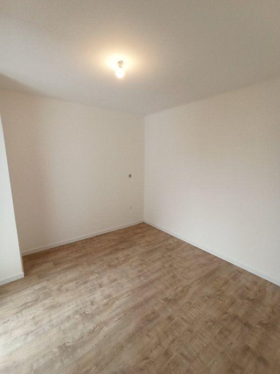 Appartement à louer 4 89.3m2 à Nancy vignette-9