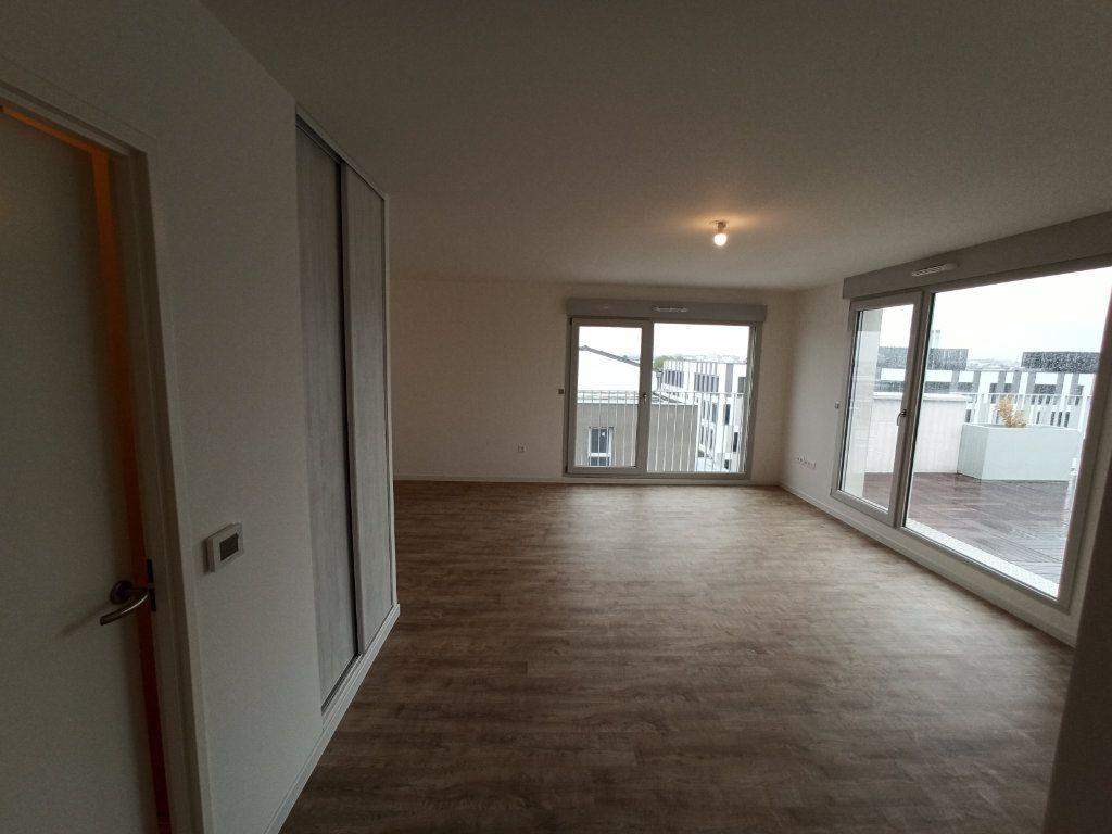 Appartement à louer 4 89.3m2 à Nancy vignette-15