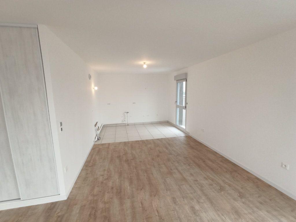 Appartement à louer 4 89.3m2 à Nancy vignette-16