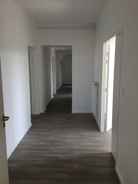 Appartement à louer 5 114m2 à Montfaucon-d'Argonne vignette-1
