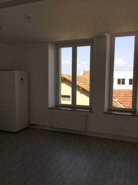 Appartement à louer 5 114m2 à Montfaucon-d'Argonne vignette-2