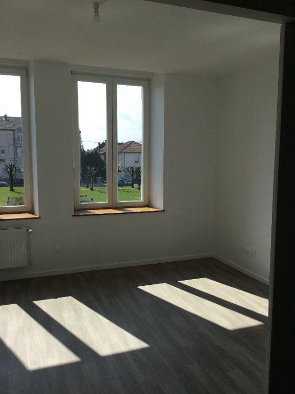 Appartement à louer 5 114m2 à Montfaucon-d'Argonne vignette-4