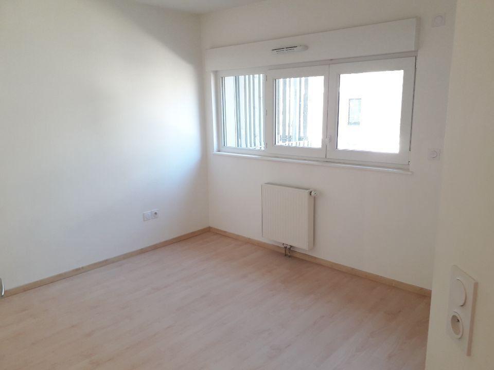 Appartement à louer 2 38.3m2 à Nancy vignette-4