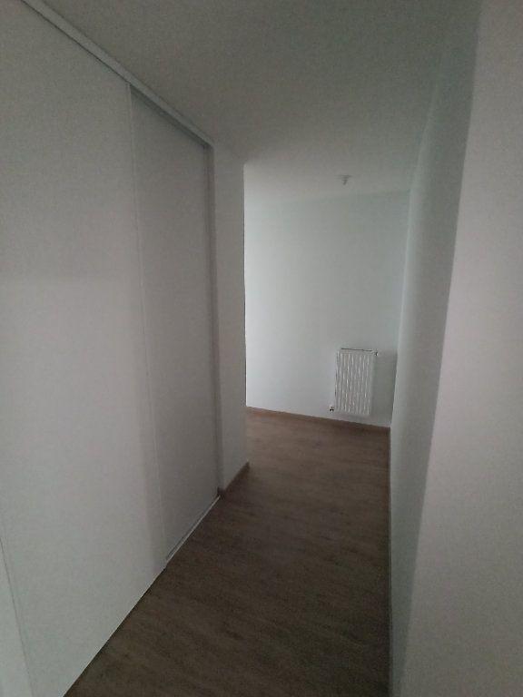 Appartement à louer 4 85.25m2 à Nancy vignette-5