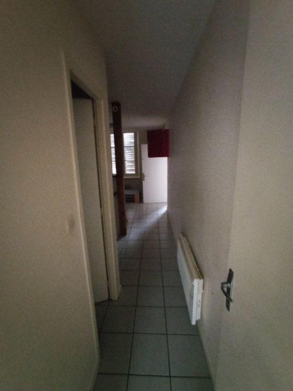Appartement à louer 2 31.15m2 à Nancy vignette-3