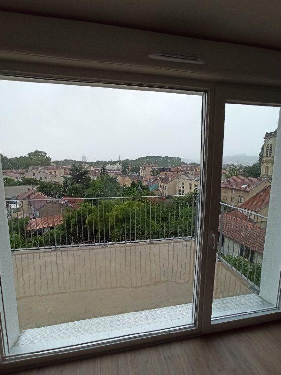 Appartement à louer 3 67.91m2 à Nancy vignette-1
