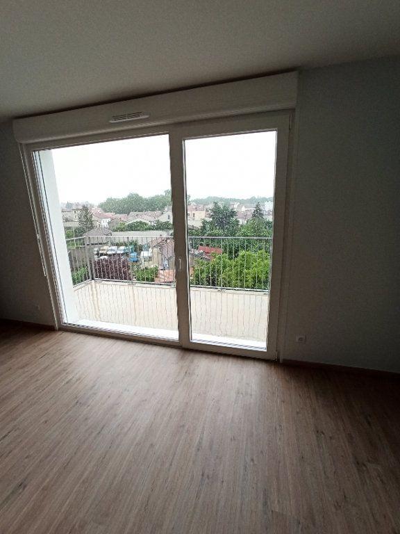 Appartement à louer 3 67.91m2 à Nancy vignette-2