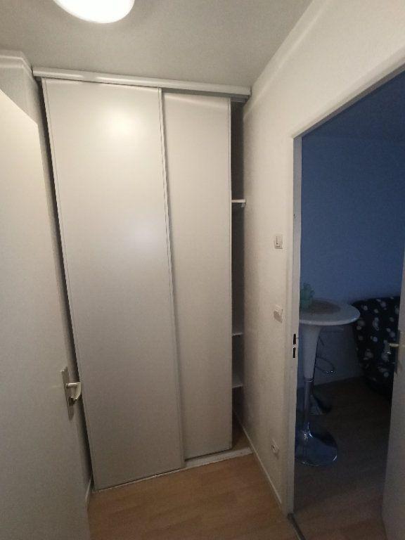 Appartement à louer 1 18.61m2 à Nancy vignette-6
