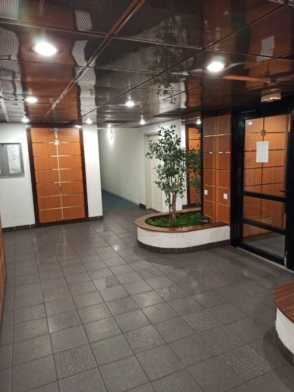 Appartement à louer 1 18.61m2 à Nancy vignette-10