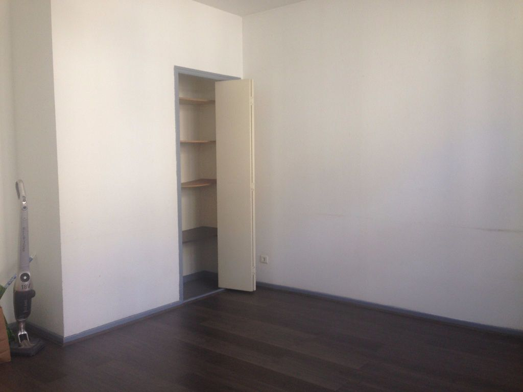 Appartement à louer 2 32m2 à Nancy vignette-6