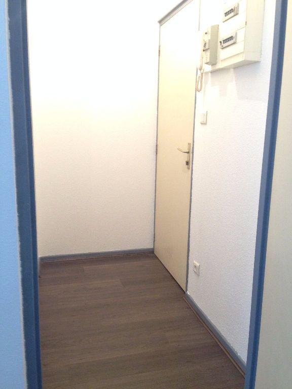 Appartement à louer 2 32m2 à Nancy vignette-10