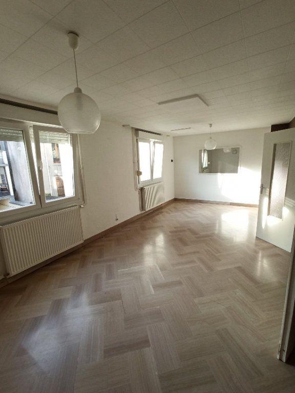 Appartement à louer 4 81.39m2 à Nancy vignette-4