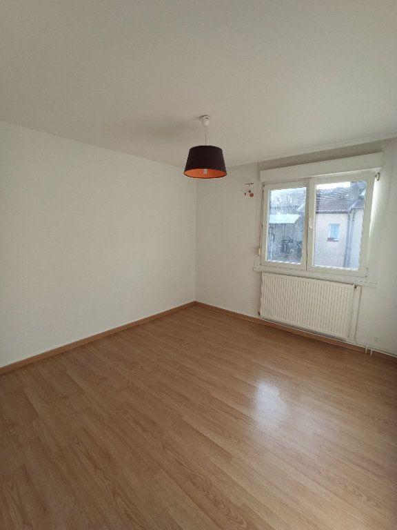 Appartement à louer 4 81.39m2 à Nancy vignette-6