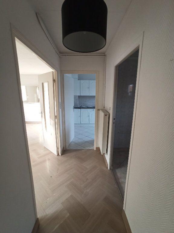 Appartement à louer 4 81.39m2 à Nancy vignette-7