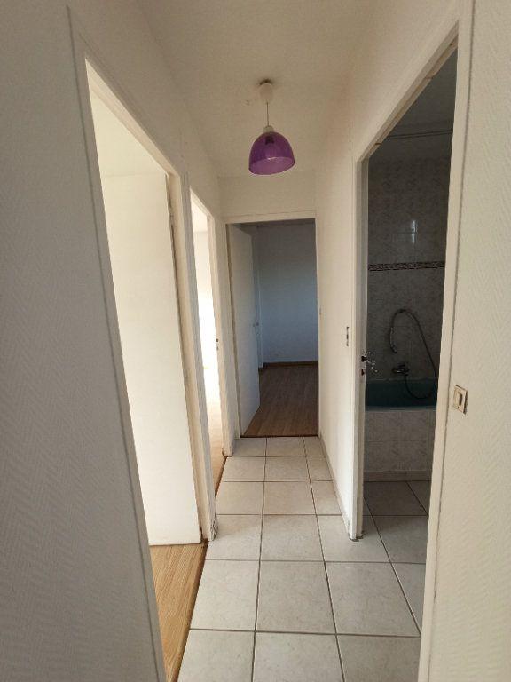 Appartement à louer 4 81.39m2 à Nancy vignette-8