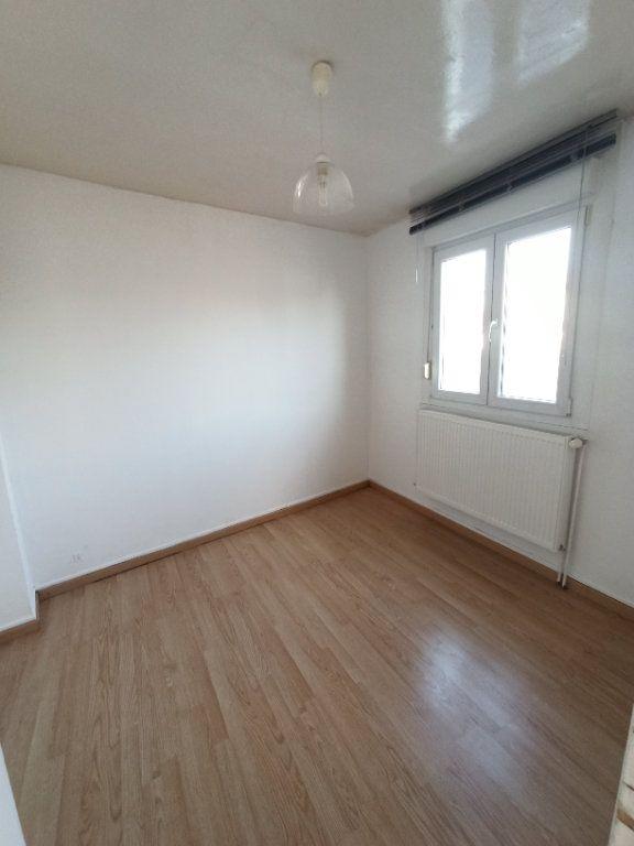Appartement à louer 4 81.39m2 à Nancy vignette-9