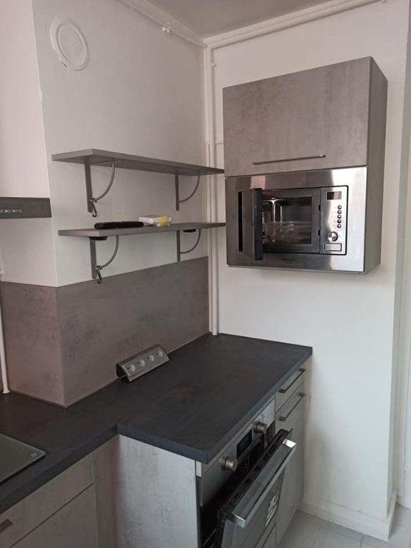 Appartement à louer 3 66m2 à Saint-Max vignette-3