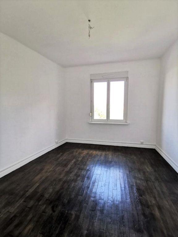 Appartement à louer 4 88.12m2 à Montigny-lès-Metz vignette-3