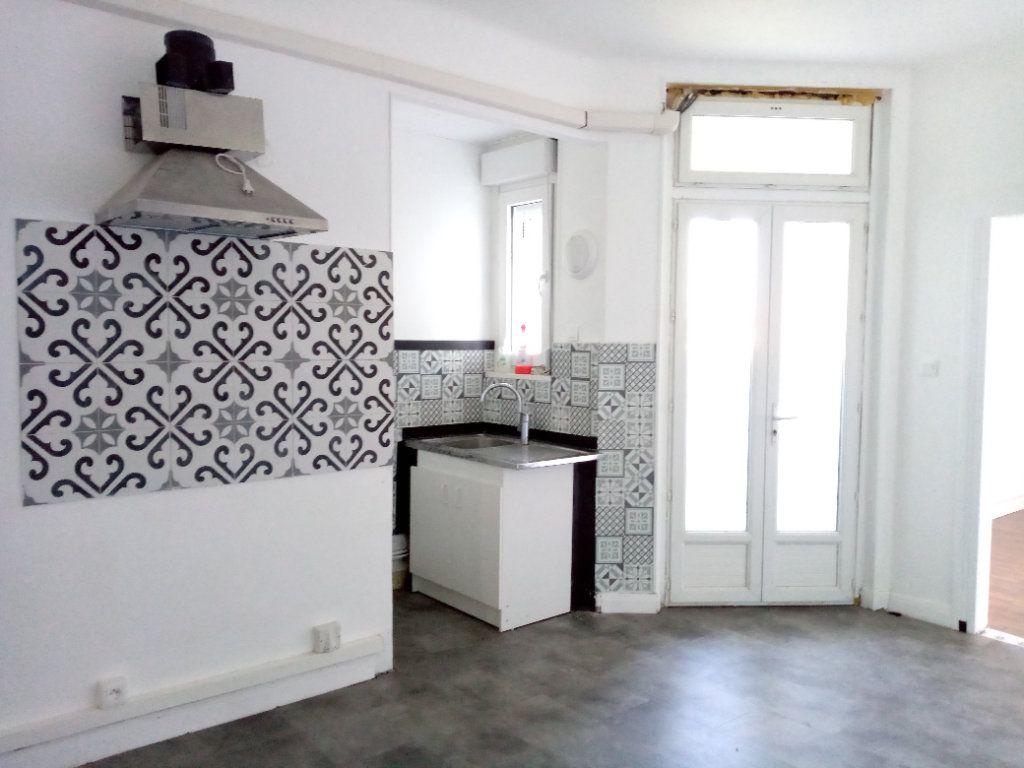 Appartement à louer 4 88.12m2 à Montigny-lès-Metz vignette-5