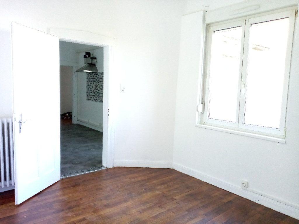 Appartement à louer 4 88.12m2 à Montigny-lès-Metz vignette-6