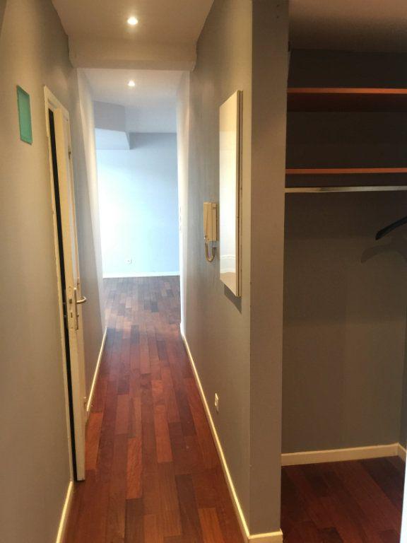 Appartement à louer 2 58m2 à Nancy vignette-5