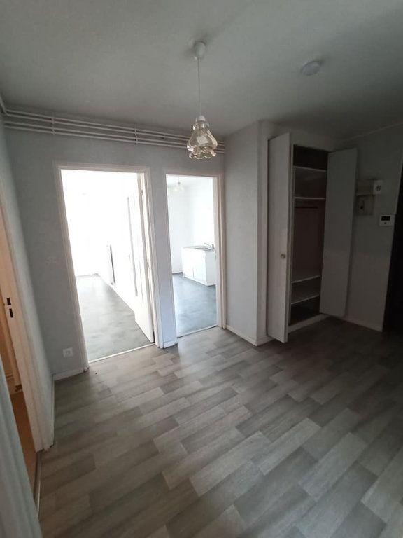 Appartement à louer 4 77.92m2 à Champigneulles vignette-4