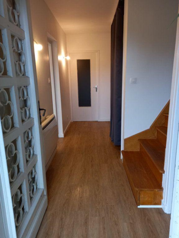 Maison à louer 9 171m2 à Velaine-en-Haye vignette-5
