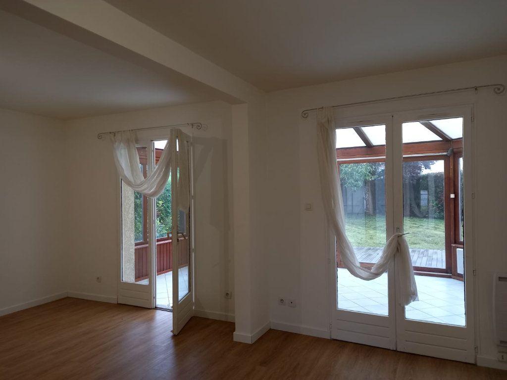 Maison à louer 9 171m2 à Velaine-en-Haye vignette-8