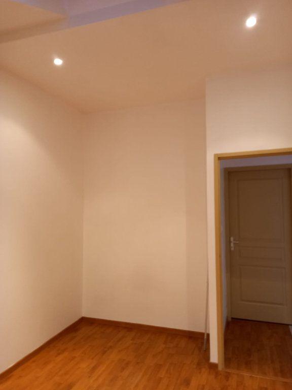 Maison à louer 9 171m2 à Velaine-en-Haye vignette-11