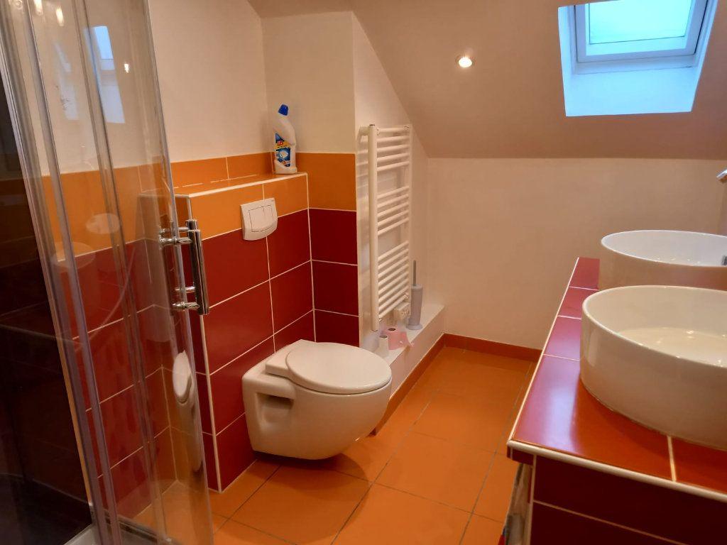 Maison à louer 9 171m2 à Velaine-en-Haye vignette-16