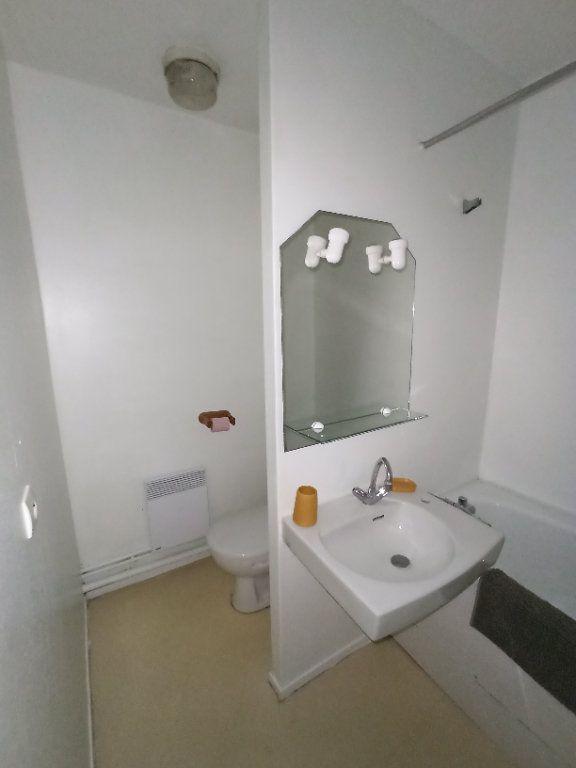 Appartement à louer 1 26.44m2 à Nancy vignette-9