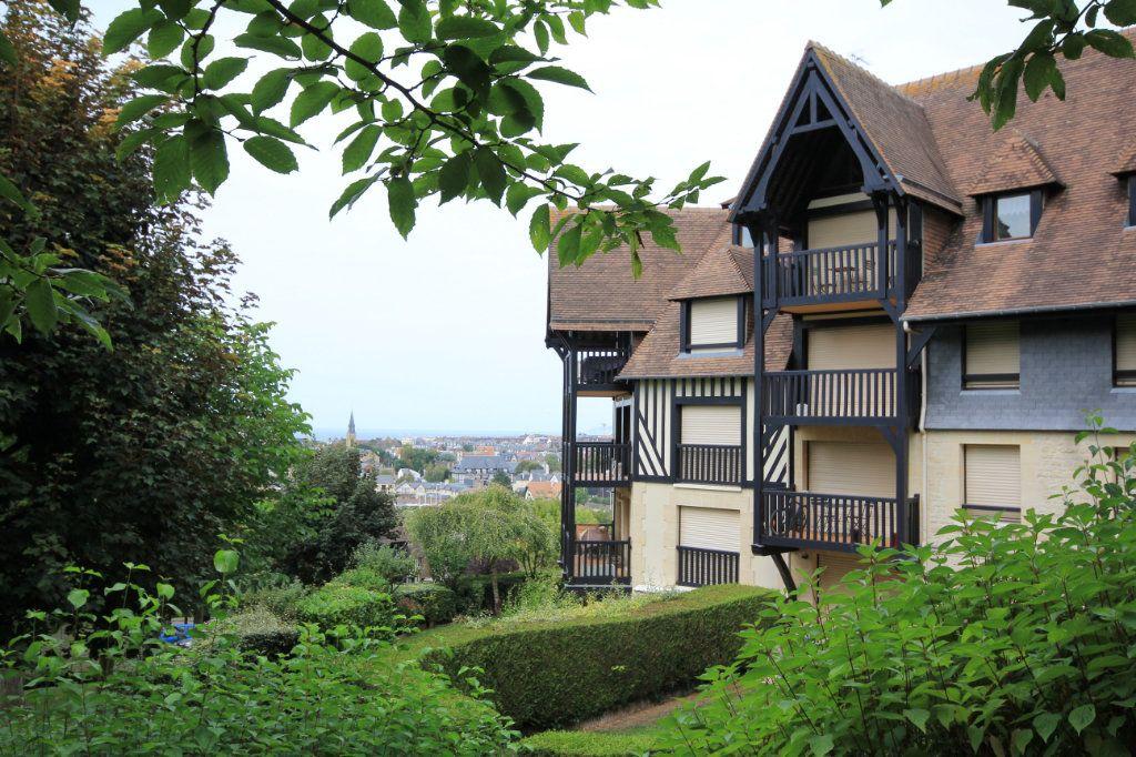Appartement à louer 3 44m2 à Deauville vignette-7